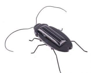 Solar Powered Vibrating Black Cockroach Bug