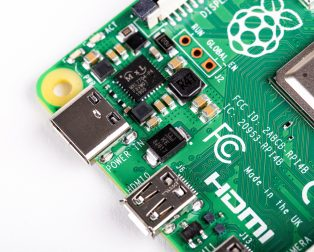 Raspberry Pi 4 Model-B with 1 GB RAM--POWER_PORT